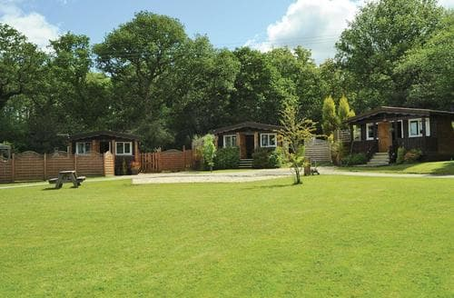 Last Minute Cottages - Cosy Brecon Beacons National Park Lodge S106235