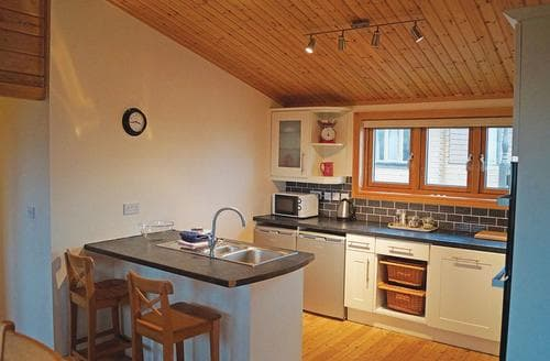 Last Minute Cottages - Captivating Carnmenellis Lodge S106267