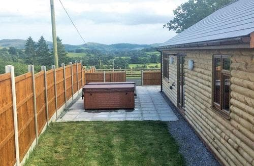 Last Minute Cottages - Tasteful Penybont Lodge S106307