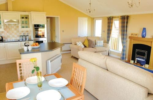Last Minute Cottages - Charming Dobwalls Lodge S106320