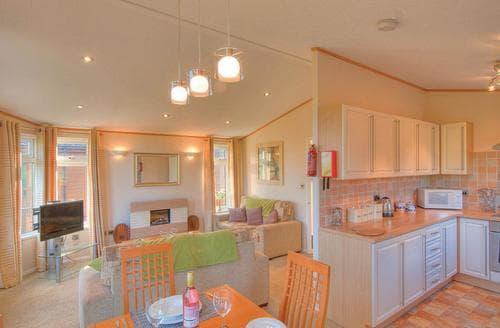 Last Minute Cottages - Beautiful Dobwalls Lodge S106327
