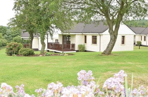 Last Minute Cottages - Lovely Girvan Lodge S106349