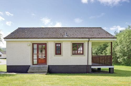 Last Minute Cottages - Delightful Girvan Lodge S106352