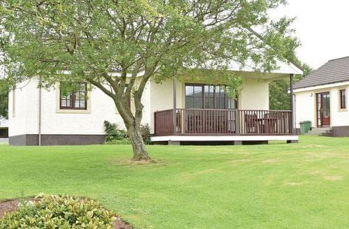 Last Minute Cottages - Captivating Girvan Lodge S106353