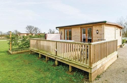 Last Minute Cottages - Charming Pickering Lodge S106371