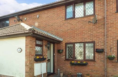 Last Minute Cottages - Tasteful Walton On The Naze Rental S25328