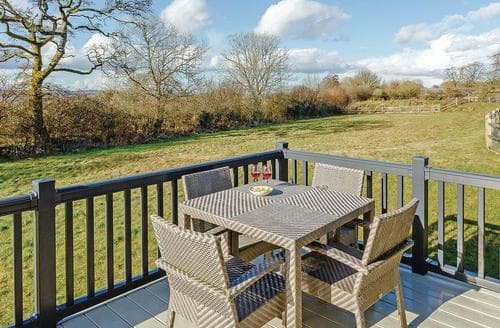 Last Minute Cottages - Wonderful Axminster Lodge S106398