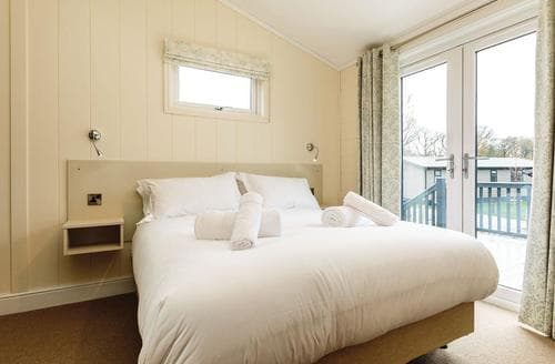 Last Minute Cottages - Delightful Axminster Lodge S106408