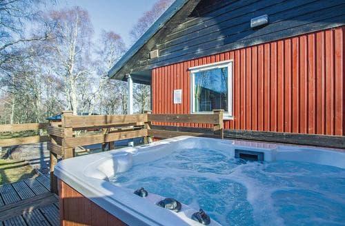 Last Minute Cottages - Adorable Kiltarlity Lodge S106453