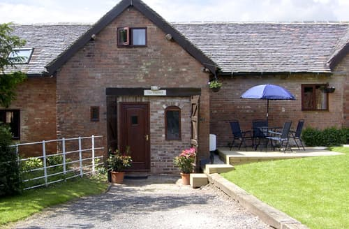 Last Minute Cottages - Attractive Stratford Upon Avon Hayloft S2086