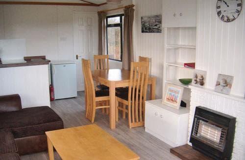 Last Minute Cottages - Splendid Moreton Lodge S106476