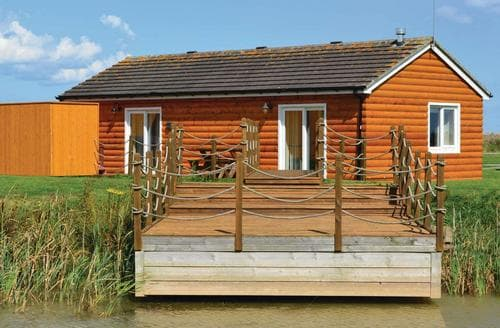 Last Minute Cottages - Inviting Hornsea Lodge S106481