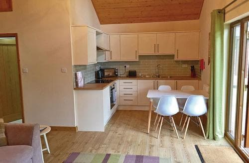 Last Minute Cottages - Beautiful Ramsey Lodge S106497