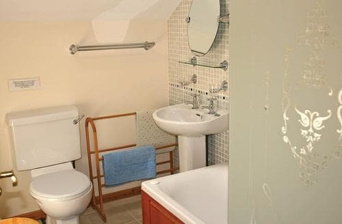 Last Minute Cottages - Adorable Webbery Lodge S106533