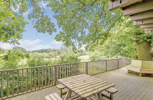 Last Minute Cottages - Lovely Louth Lodge S106536