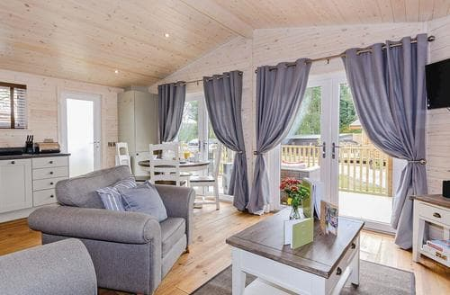 Last Minute Cottages - Attractive Owslebury Lodge S106566