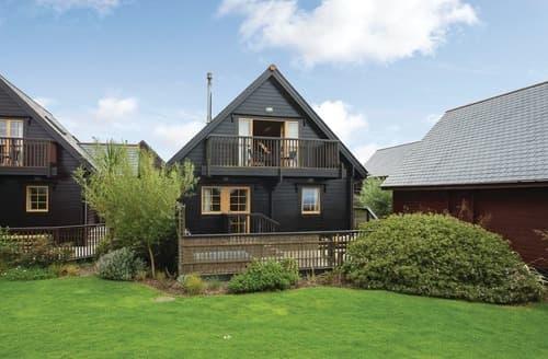 Last Minute Cottages - Gorgeous Tregea Hill Lodge S106588