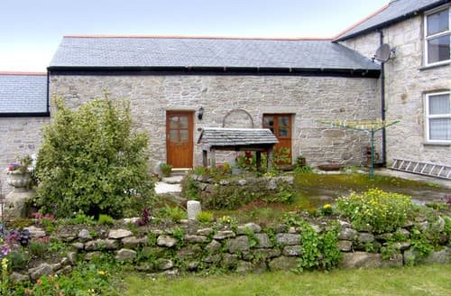 Last Minute Cottages - Wonderful Penryn Cottage S2090