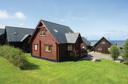Last Minute Cottages - Cosy Tregea Hill Lodge S106599