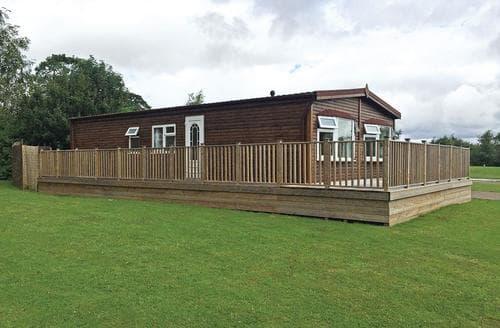 Last Minute Cottages - Wonderful Oakham  Lodge S106600