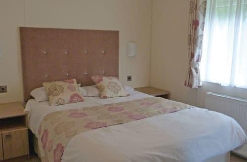 Last Minute Cottages - Luxury Swadlincote Lodge S106608