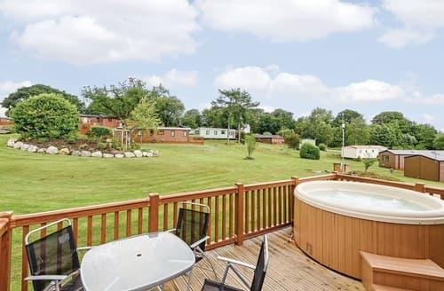 Last Minute Cottages - Splendid Bala Lodge S106622