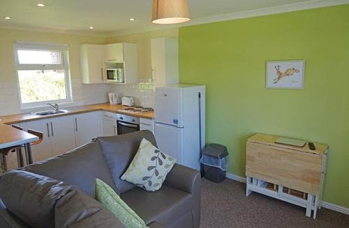 Last Minute Cottages - Excellent Nr St Austell Lodge S106625