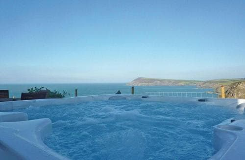 Last Minute Cottages - Stunning Fishguard Lodge S106636