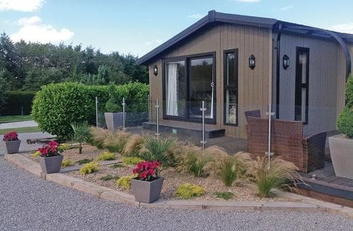 Last Minute Cottages - Excellent Little Weighton Lodge S106643