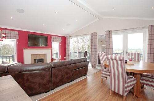 Last Minute Cottages - Lovely Dumfries Lodge S106724