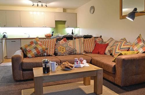 Last Minute Cottages - Stunning Glyn Ceiriog Lodge S106753
