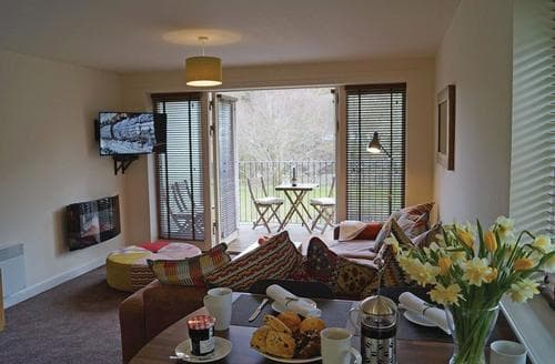 Last Minute Cottages - Charming Glyn Ceiriog Lodge S106826