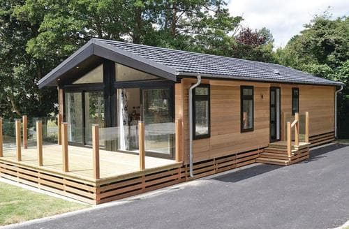 Last Minute Cottages - Cedar Lodge 2