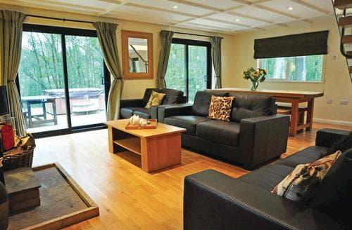 Last Minute Cottages - Luxury Oakamoor Lodge S106854