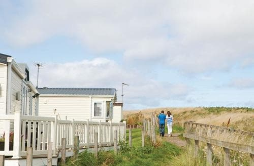 Dog Friendly Cottages - Delightful Eyemouth Lodge S106917