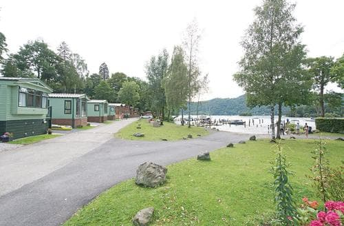 Last Minute Cottages - Gorgeous Bowness On Windermere Lodge S106928
