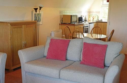 Last Minute Cottages - Inviting Kilkhampton Lodge S106935