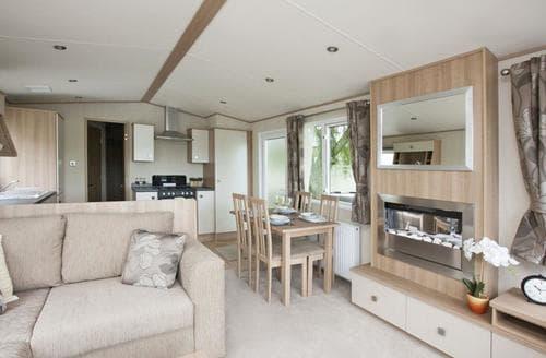 Big Cottages - Captivating Shanklin Lodge S106945