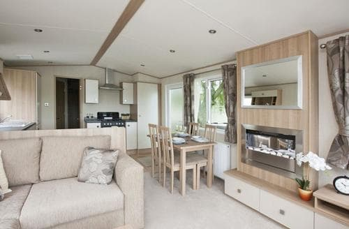 Last Minute Cottages - Stunning Shanklin Lodge S106952