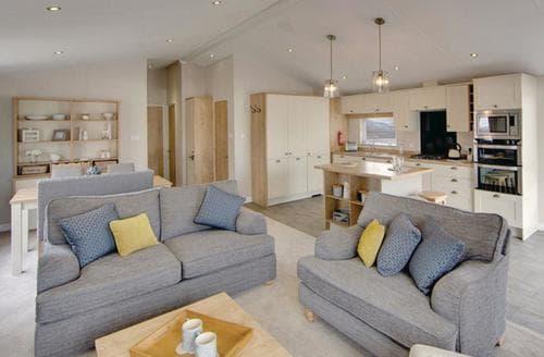 Last Minute Cottages - Adorable Shanklin Lodge S106981