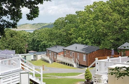 Last Minute Cottages - Lovely Thorness Lodge S106994