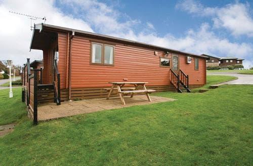 Last Minute Cottages - Splendid Battle Lodge S107030