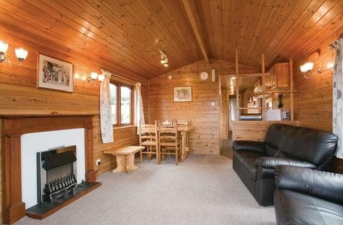 Last Minute Cottages - Stunning Battle Lodge S107036