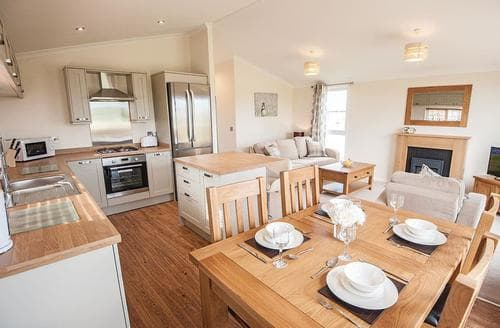 Last Minute Cottages - Captivating Tunstall Lodge S107206