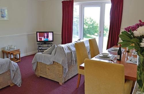 Last Minute Cottages - Stunning Summer Court Lodge S107247
