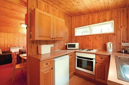 Last Minute Cottages - SI 2 Bed Bronze Chalet