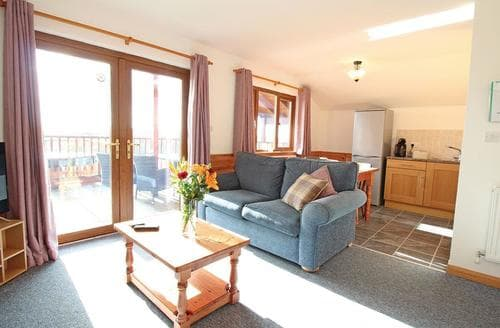 Last Minute Cottages - Quaint Holsworthy Lodge S107292