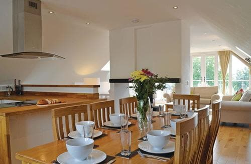 Last Minute Cottages - Lovely Glastonbury Lodge S107306
