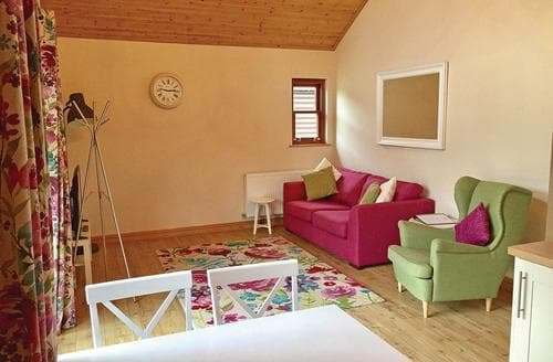 Last Minute Cottages - Beautiful Ramsey Lodge S107320