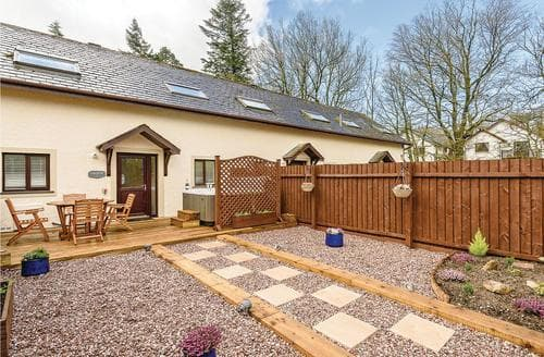 Last Minute Cottages - Wonderful Berrier Lodge S107326